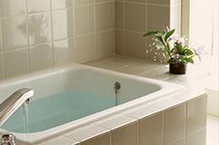 「お風呂のお湯がチカチカする」